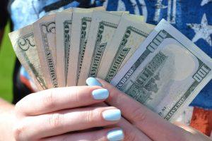 Fanning out dollar bills